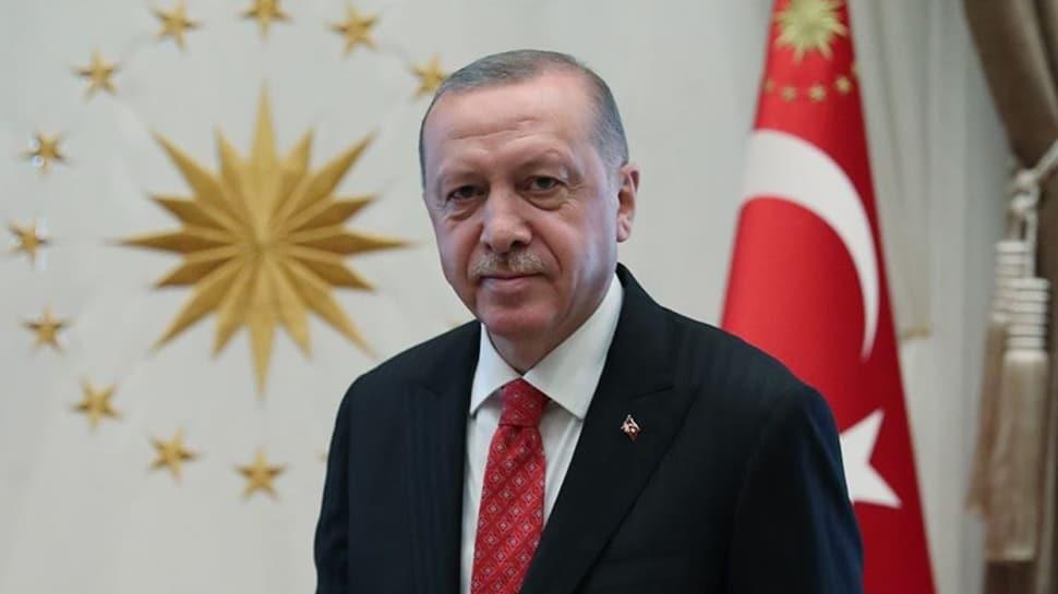 Başkan Erdoğan'dan Berat Kandili mesajı: Tüm insanlık için hayırlara vesile olmasını Rabb'imden niyaz ediyorum