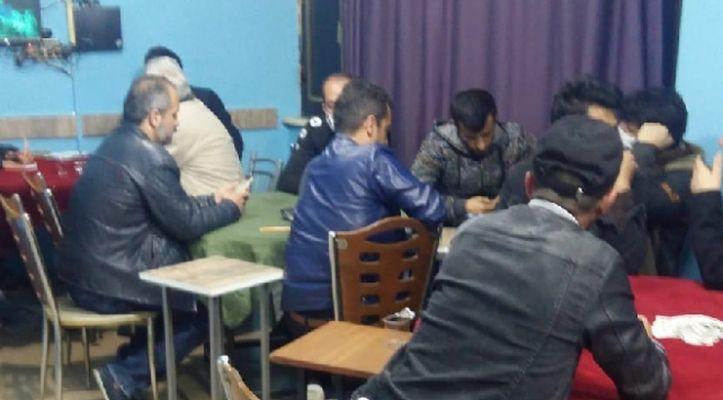 Konya'da kahvehanede oyun oynayanlara para cezası