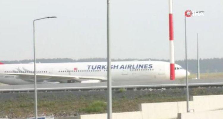 Acun Ilıcalı'nın ekibi Türkiye'ye döndü