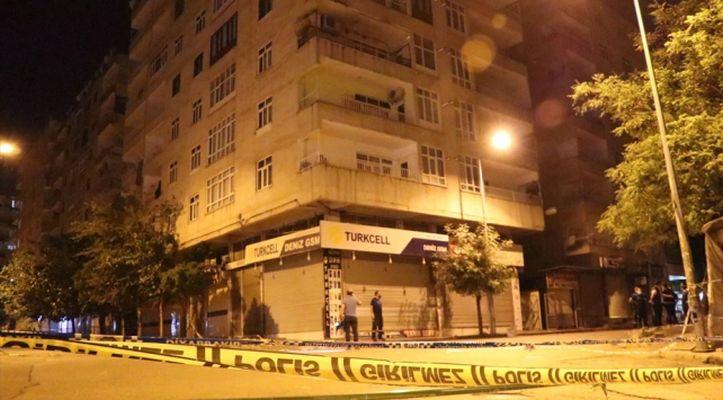 Diyarbakır'da çökme tehlikesi bulunan 7 katlı bina boşaltıldı