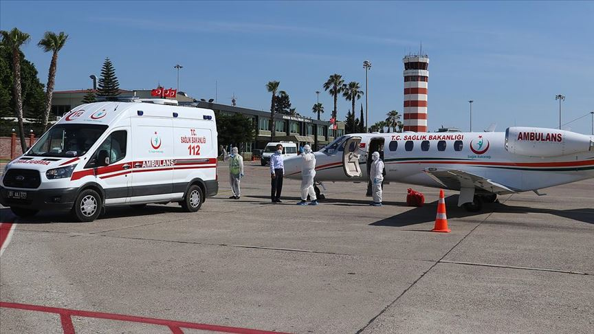 Kovid-19 hastası Türk vatandaşı ambulans uçakla Rusya'dan yurda getirildi