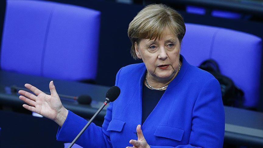 Almanya Başbakanı Merkel ile Libya Başbakanı Serrac görüştü