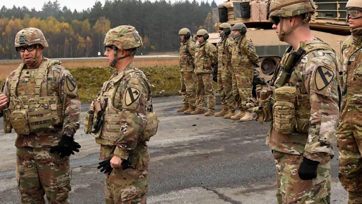 Morawiecki: Almanya'dan çekilen ABD askerleri bize gelsin