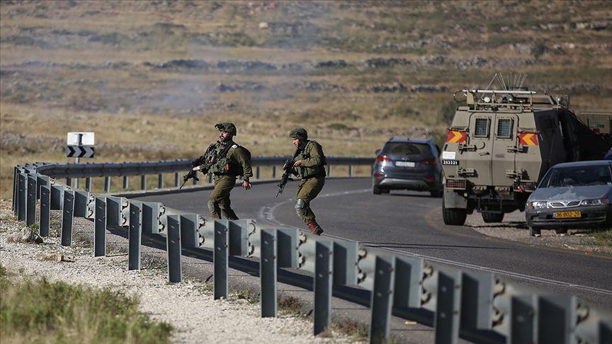 Terör devleti İsrail'in askerleri 10 Filistinliyi yaraladı