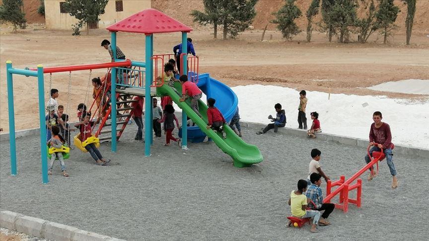 Tel Abyadlı çocuklar oyun parkıyla mutluluğu yaşıyor