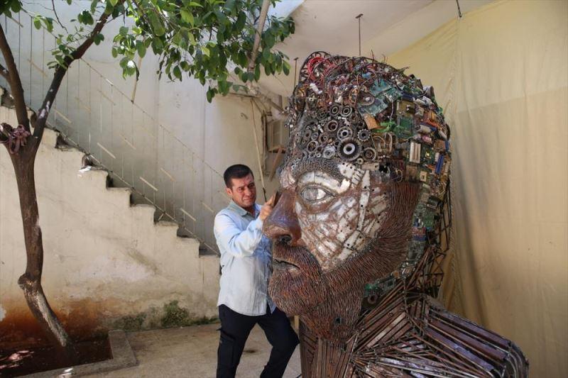 Atık metallerden insan portresi