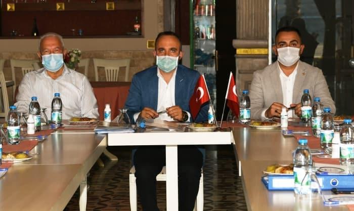 AK Partili Bülent Turan, CHP'li başkanlarla görüştü: Polemiklerle zaman kaybetmemeliyiz