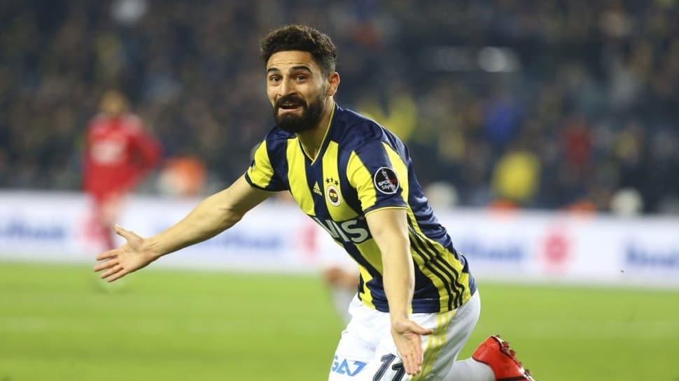 Fenerbahçe'de sözleşmesi biten Mehmet Ekici, Galatasaray'ın transfer teklifini reddetti