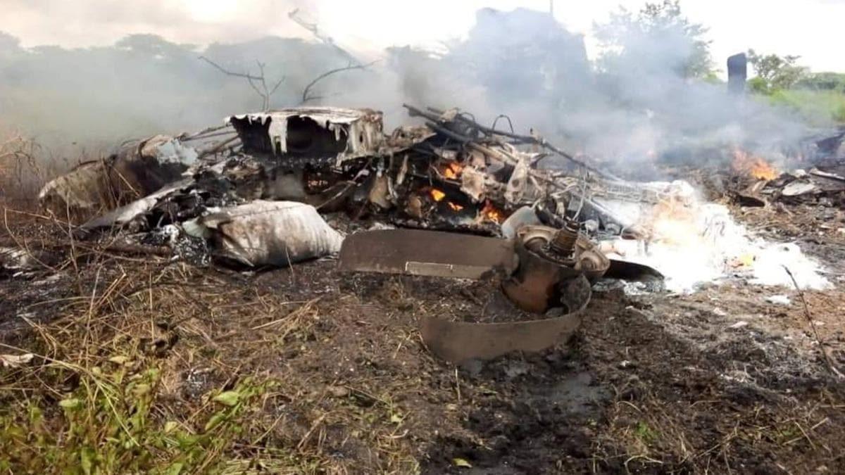 Güney Sudan'da uçak düştü! Çok sayıda ölü var