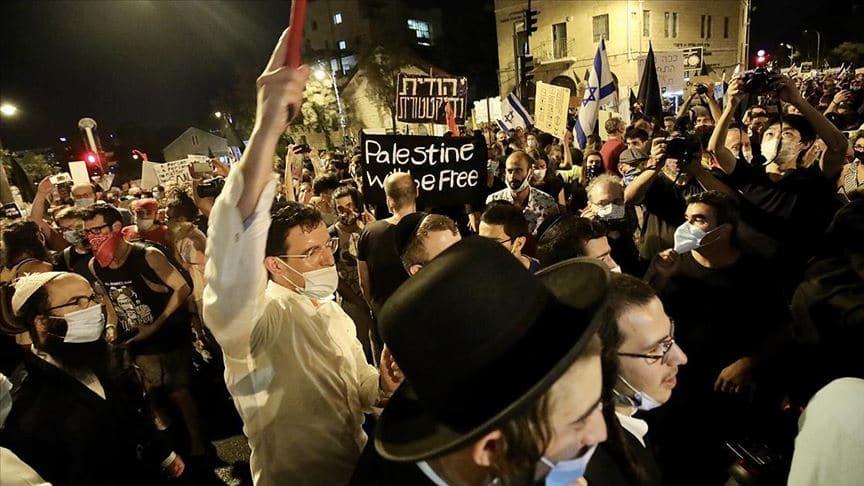 Katil bu kez köşeye sıkıştı! Binlerce İsrailli Netanyahu karşıtı gösteri düzenledi