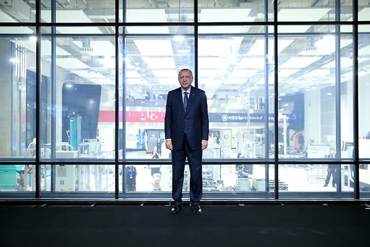 Bir günde 40 fabrika ve bir teknoloji merkezi açıldı