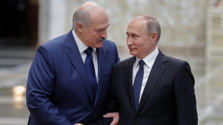 Moskova'da kritik görüşme! Putin, Lukaşenko'yu davet etti