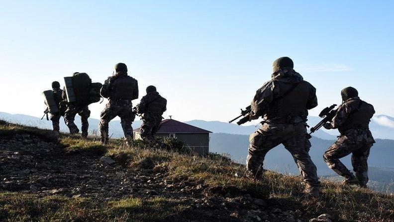 Terör örgütü PKK çözülüyor 3 terörist teslim oldu!