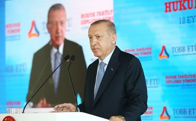 Başkan Erdoğan, Demokrasi ve Özgürlükler Adası'nda düzenlenen TOBB ETÜ Hukuk Fakültesi'nin mezuniyet töreninde konuştu