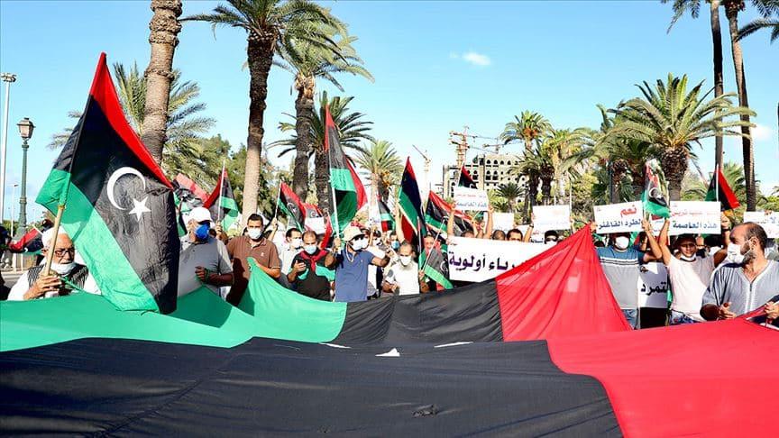 Libya'da Hafter zulmü bitmiyor! Milisler göstericilere ateş açtı: 5 yaralı