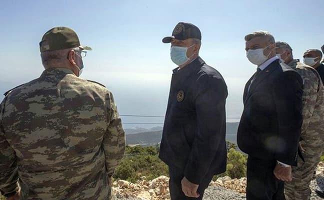 Bakan Akar: Kıbrıs'ı milli meselemiz kabul ediyoruz