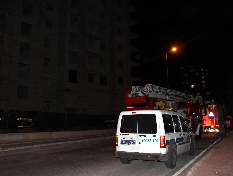 Kayseri'de intihara kalkışan genci polis ikna etti