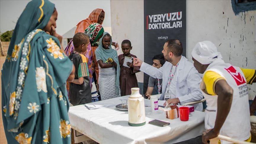 Türkiye, Yeryüzü Doktorları'yla dünyanın en ucra köşelerine kadar yardım ve şifa dağıtıyor
