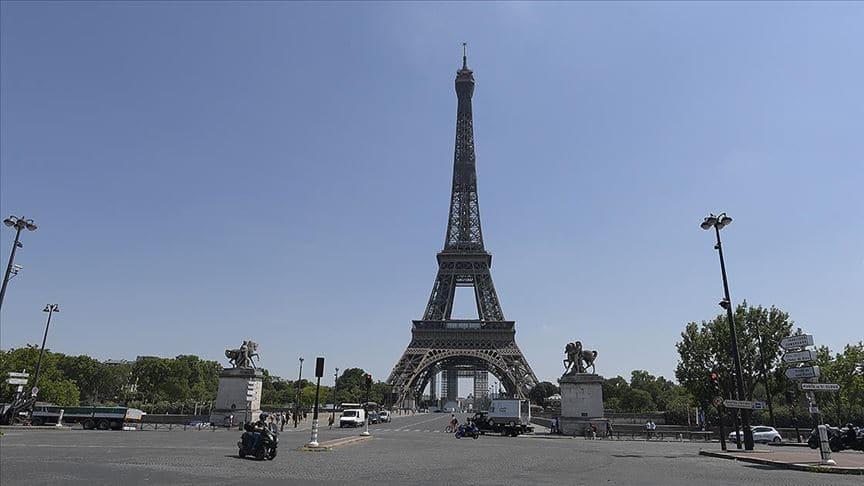 Fransa'da Eyfel Kulesi'nde bomba alarmı
