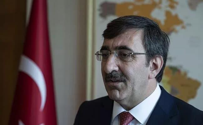AK Partili Cevdet Yılmaz koronavirüse yakalandı