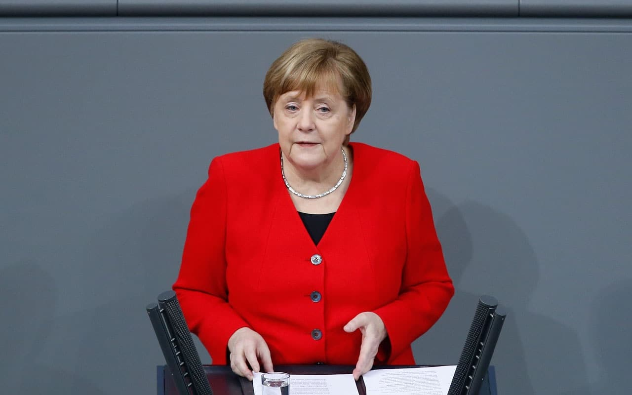 Alman basını: Merkel, Rus muhalif Navalnıy'ı hastanede ziyaret etti