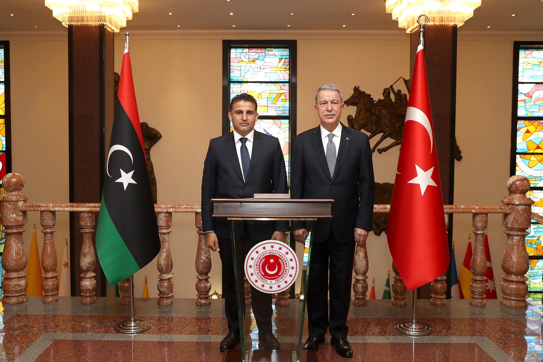 Bakan Akar'dan kritik Libya ile görüşmesi!