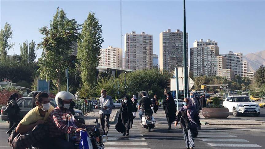 İran'ın başkenti Tahran'da koronavirüs kısıtlamaları geri getirildi