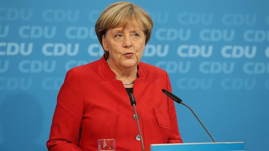 Merkel'den Dağlık Karabağ çağrısı: Çatışmaları durdurun