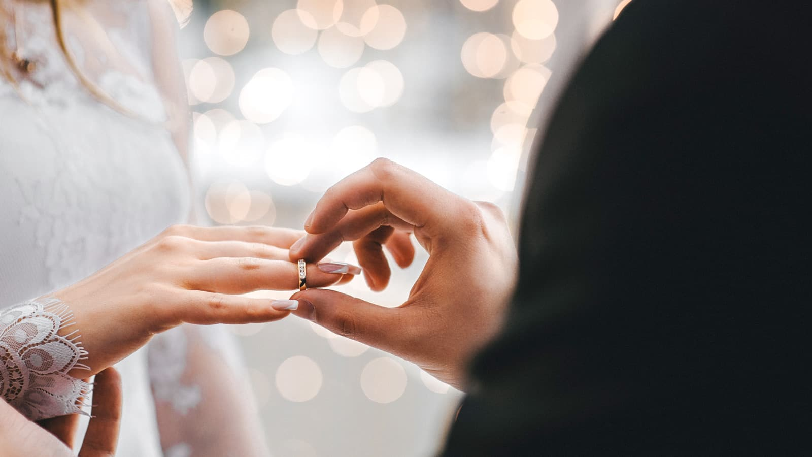 Yargıtay'dan evlilik sebebiyle istifa eden işçiye tazminat kararı