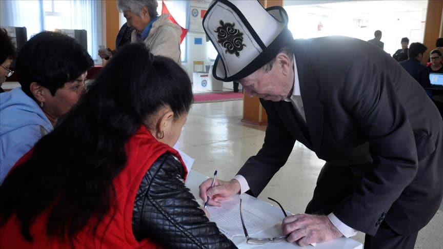Kırgızistan'da halk sandık başında!