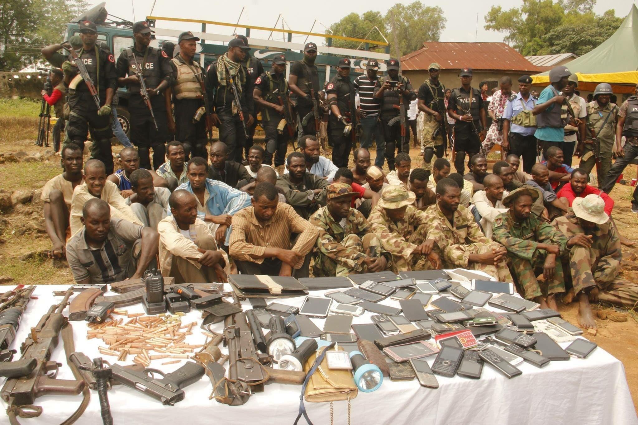 Nijerya'da 869 silahlı çete üyesi etkisiz hale getirildi