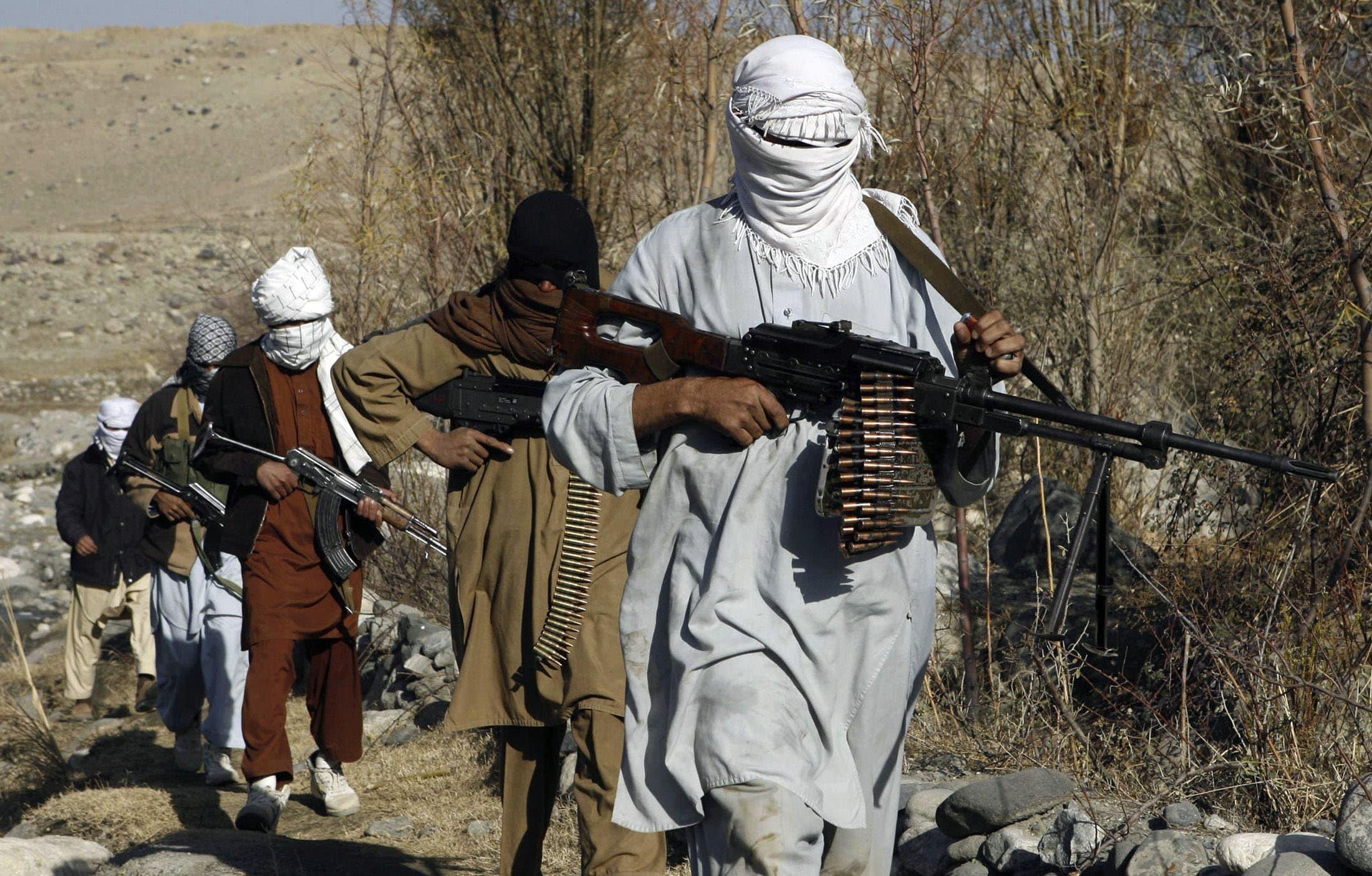 Afganistan'da 275 Taliban'lı teslim oldu