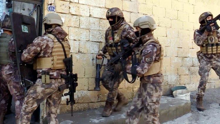 Gaziantep'te zehir tacirlerine operasyon: 34 şüpheli gözaltında