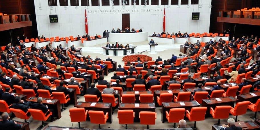 Cumhurbaşkanlığı tezkeresi kabul edildi! Mehmetçiğin Afrika'daki görev süresi uzatıldı