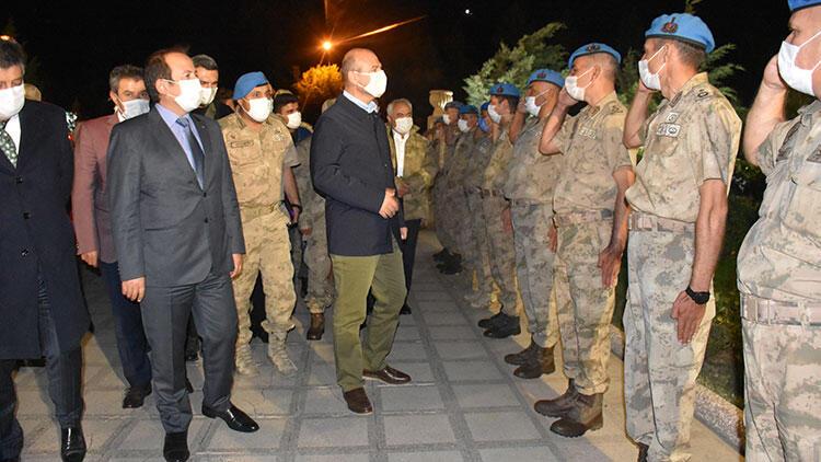 İçişleri Bakanı Süleyman Soylu, Faraşin Üs Bölgesi'nde incelemede bulundu