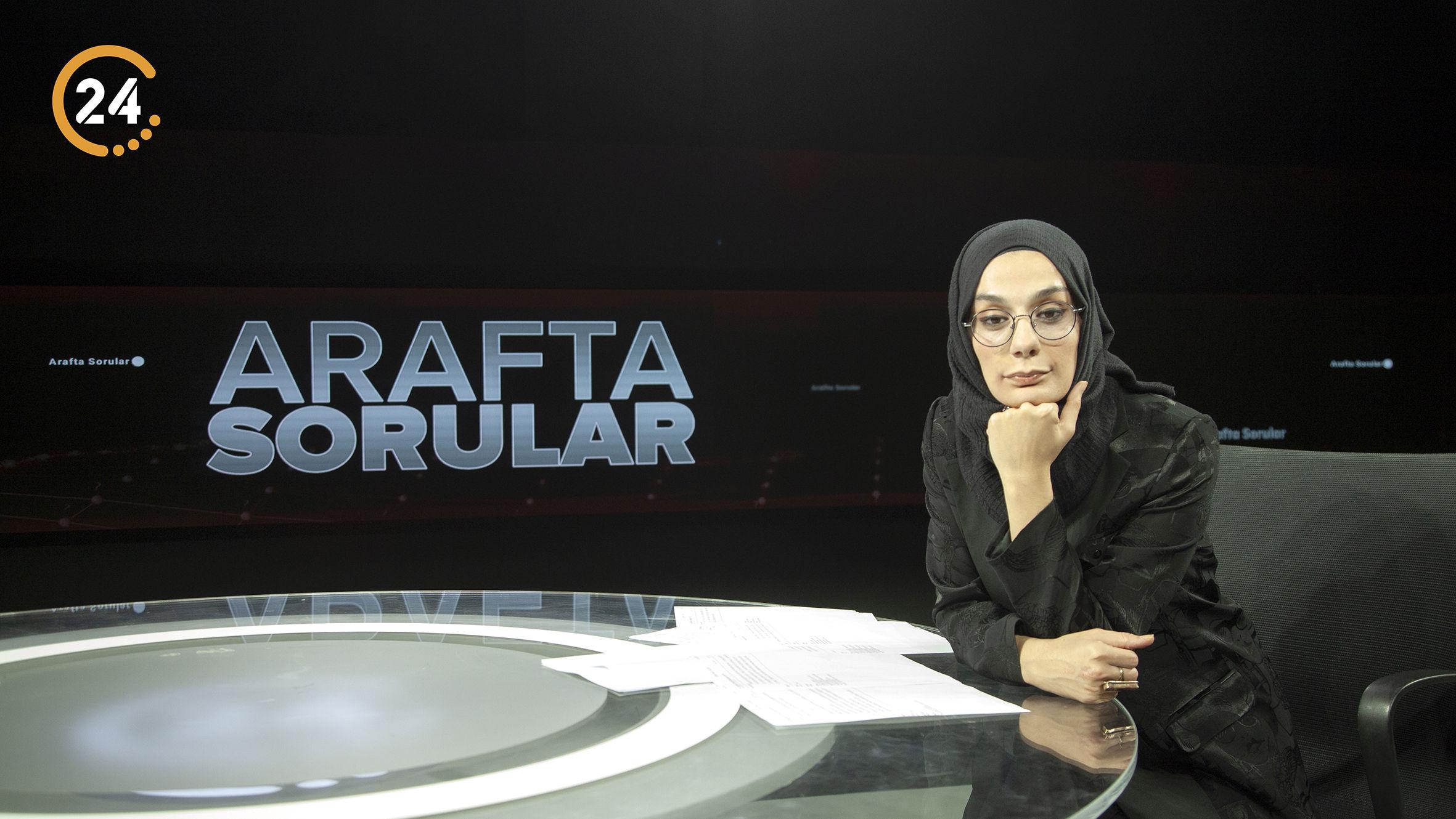"""""""Esra Elönü ile Arafta Sorular"""" her pazar 20.00'de 24'te"""