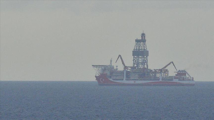 Karadeniz seferine çıkan Kanuni sondaj gemisi Çanakkale'de