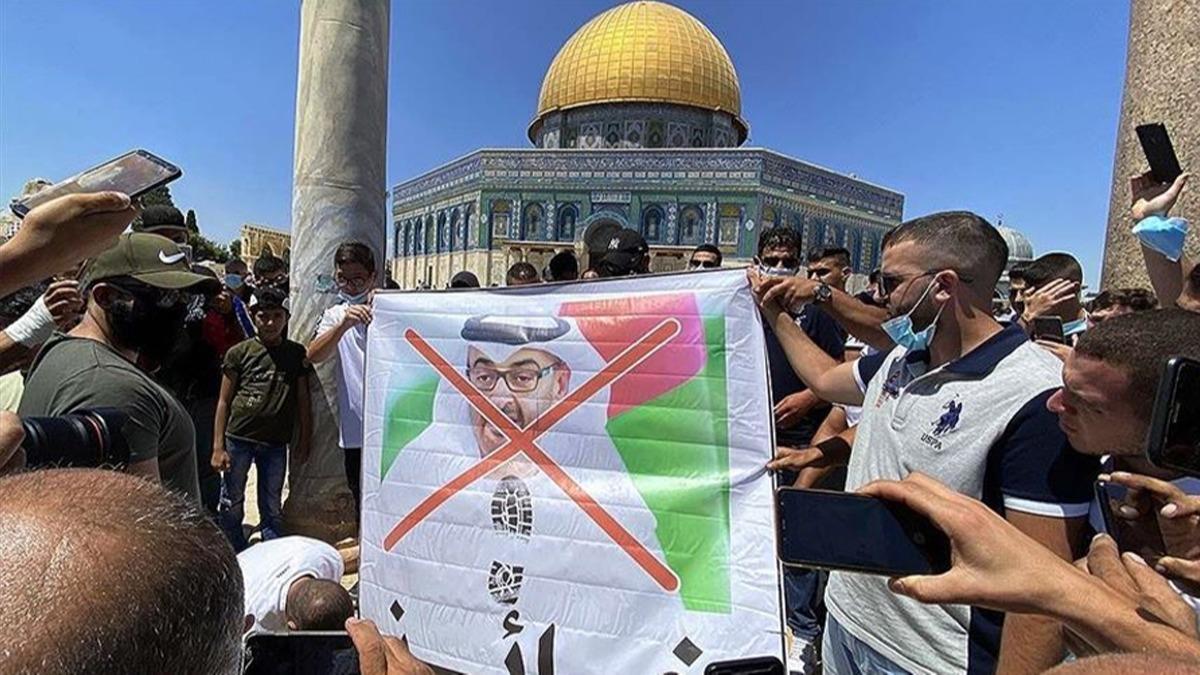BAE heyetine soğuk duş! Filistinliler Mescid-i Aksa'dan çıkardı