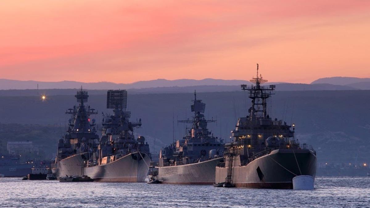 Ukrayna, Karadeniz'e 2 deniz üssü kurmaya başladı
