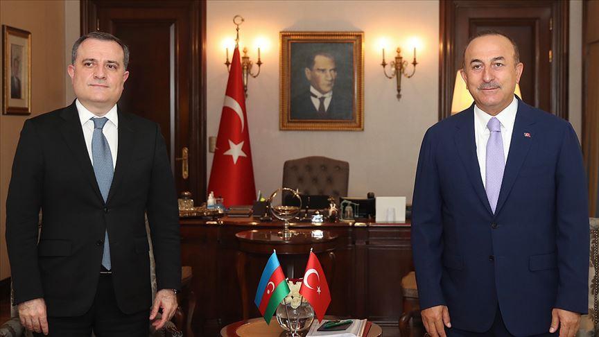 Bakan Mevlüt Çavuşoğlu, Azerbaycanlı mevkidaşı Ceyhun Bayramov ile görüştü
