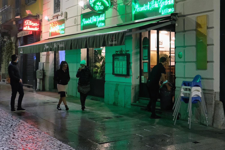 Avrupa'da koronavirüs yeniden alevlendi! İtalya'da sokağa çıkma yasağı başladı