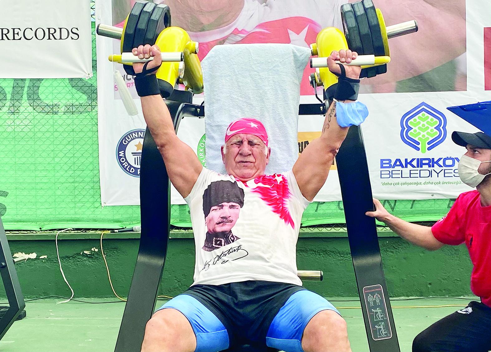 71 yaşındaki Türk sporcu rekorlar kitabında