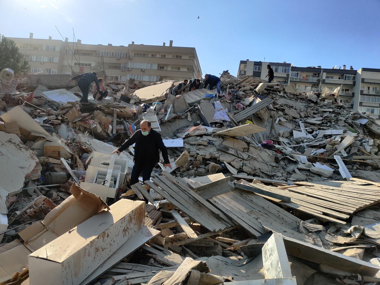 İzmir'deki depremde can kaybı artıyor