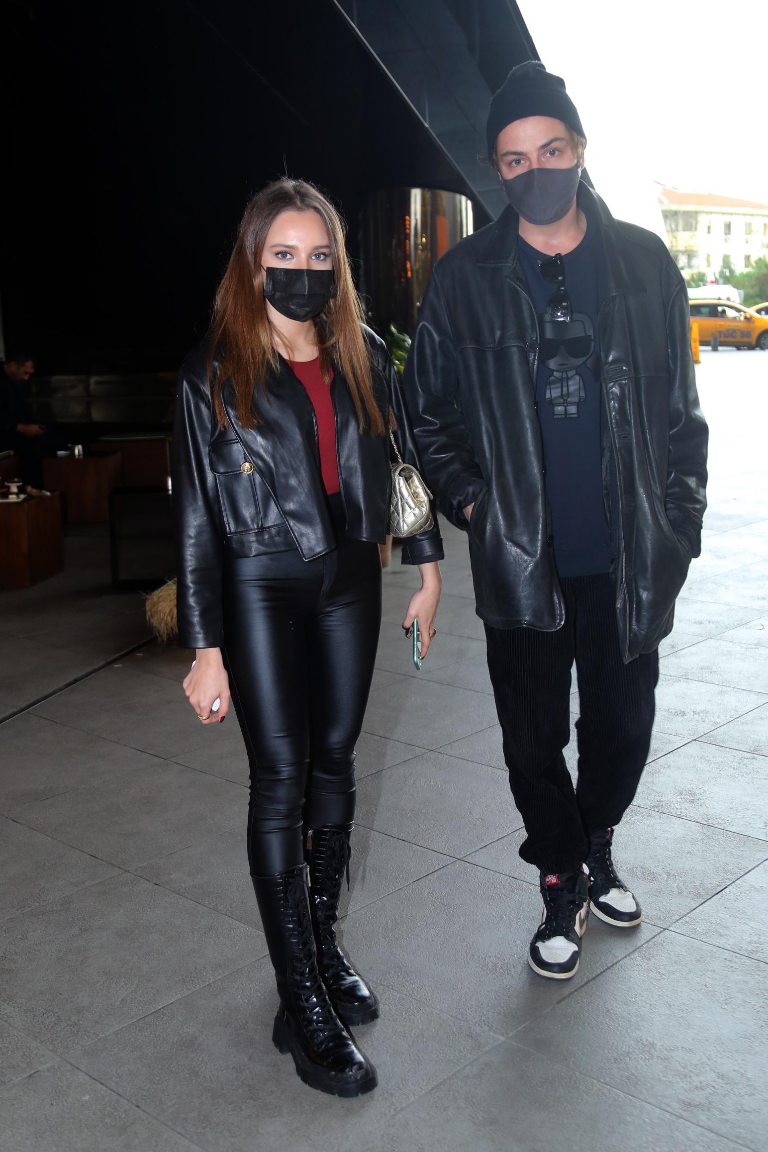 Saygı-Bir Ercüment Çözer oyuncuları Miray Daner ve Boran Kuzum'dan aşk dedikodularına açıklama geldi