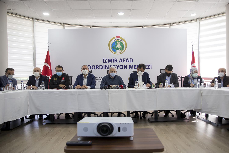 Bakanlardan İzmir'deki depremle ilgili ortak açıklama