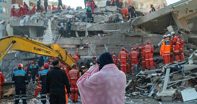 İzmir'de müteahhitlere deprem operasyonu! 9 kişi gözaltına alındı