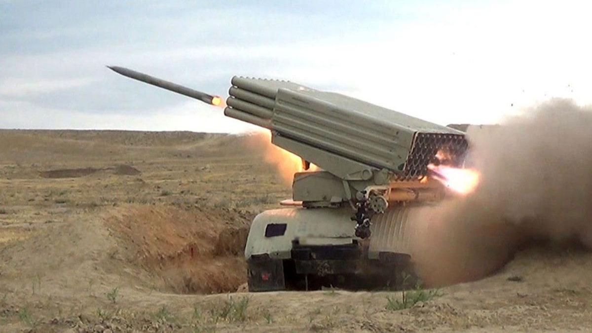 Azerbaycan ordusu darmadağın etti!