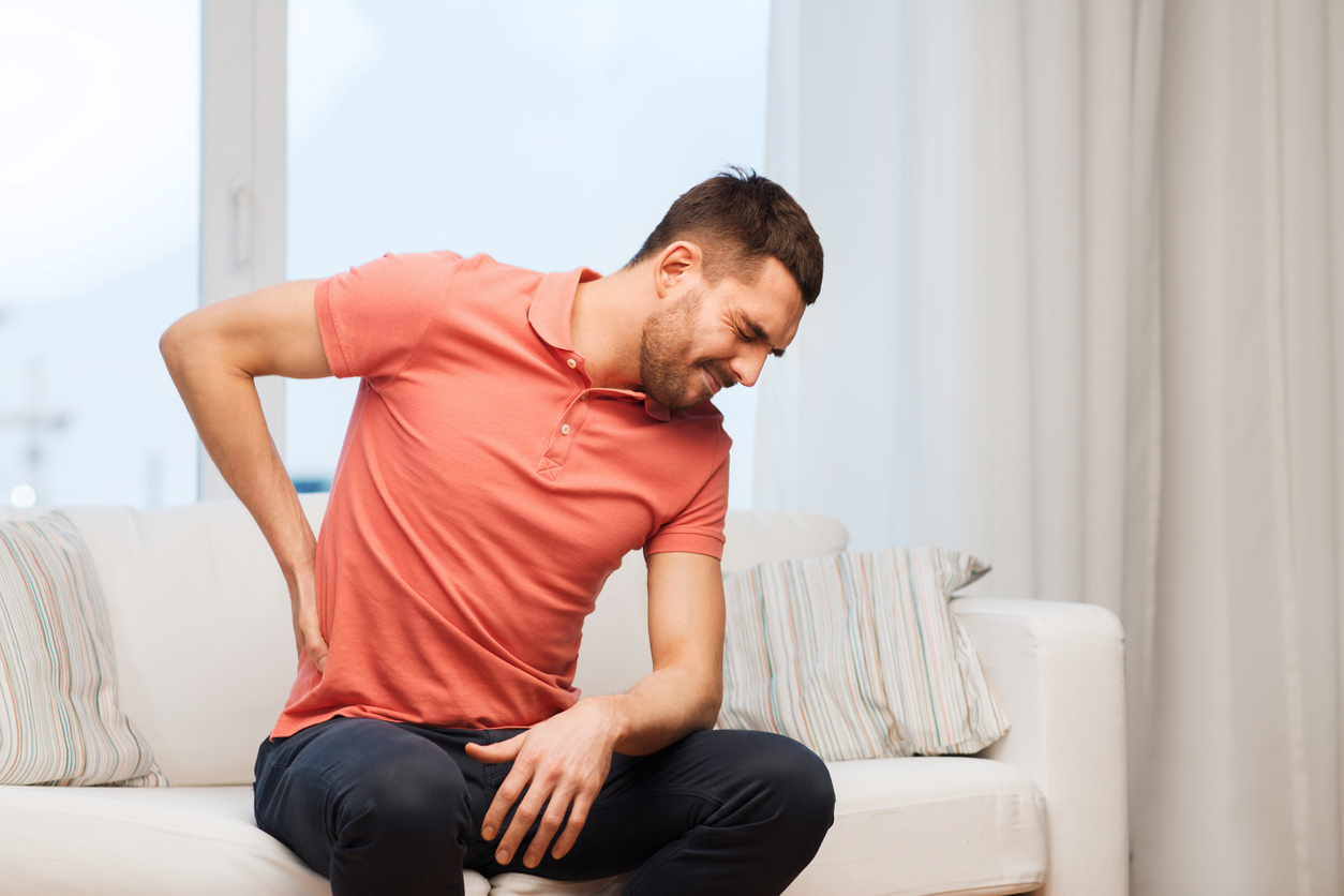 İnatçı öksürük ve sırt ağrısı akciğer kanseri belirtisi olabilir
