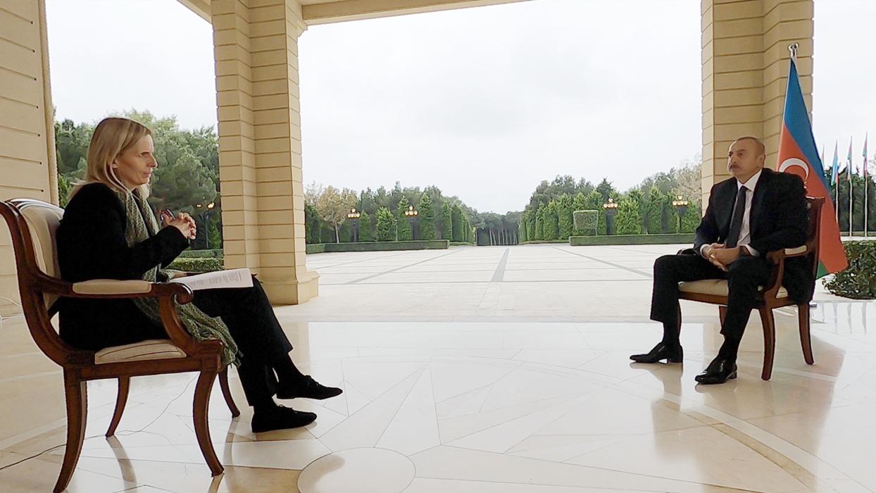 """İngiliz muhabirin """"Türkiye müdahale edecek mi?"""" sorusuna Aliyev'den yanıt: Gerekirse değerlendiririz"""