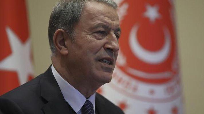 Bakan Akar'dan kardeş Azerbaycan'a tebrik